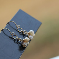Pearl drop earrings, 14kt gold filled earrings, Bridal Dangle Silver Modern Design Trendy Jewelry Handmade Luxe Style