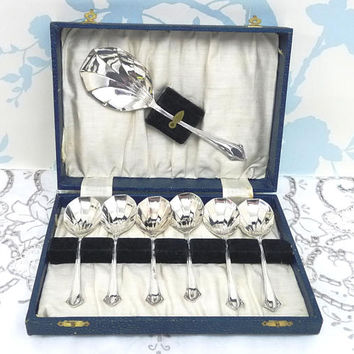Harrison Fisher Dessert Spoons in Original Box, Shell Shape, George V, Sheffield, English, EPNS, Six Place Setting, flatware, cottage chic