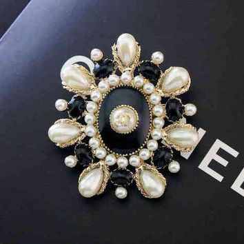 Chanel Women Fashion Logo Pearl Brooch