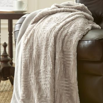 Bungalow Rose Ouasse Luxury Throw Blanket