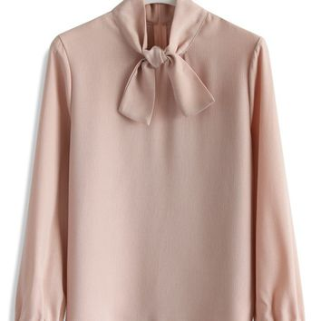 Attraction Self-tie Collar Top in Pink