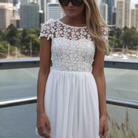 Romantic Lace Women Summer Dress 2016 New Fashion Short Sleeve Embroidery Spandex Women Dresses Backless Short Vestidos 110
