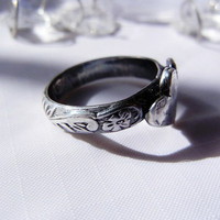 Purity Ring, Fine Silver. Double Hearts, side by side with Patterned Band. Unique Chasity Ring. One of a Kind.