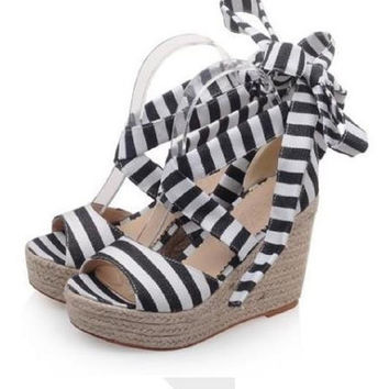 Striped Bow Wedge