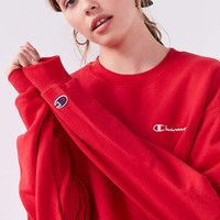 Champion & UO Mini Logo Crew-Neck Sweatshirt | Urban Outfitters