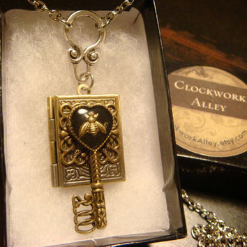 Heart Shaped Skeleton Key with Tiny Bee Steampunk LOCKET Necklace (1579)