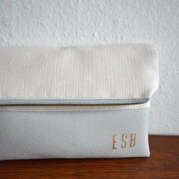 Light gray monogram clutch / Personalized clutch bag / Foldover clutch purse / Bridesmaids gift / Wedding accessory