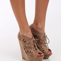 The Lilly Wedge, Taupe
