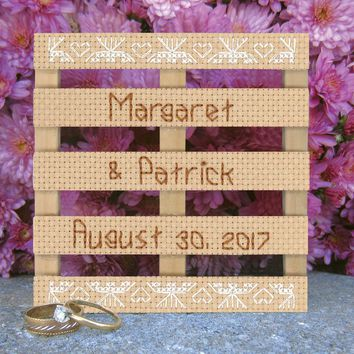 "Wood Pallet Lace Wedding Announcement Counted Cross Stitch K 4""X4"" 14 Count"