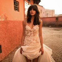 Sexy Spaghetti Straps Backless Long Flowers Pearls Boho Wedding Dress Nude Beach Wedding Dresses Vestido Longo Light Champagne