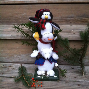 Penguin Bear Snowman Figurine Winter Design Stacked Fabric Animals With Hat Scarves Vest Home Decor Felt Kitschy Statue On Wood Base Mantel