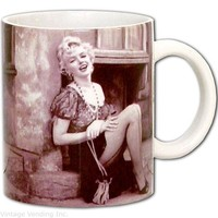 Marilyn Monroe Mugs Marilyn Monroe Coffee Cups Marilyn Monroe Gifts from RetroPlanet.com