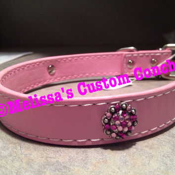 Pink dog collar with three conchos with fuchsia and light rose Swarovski crystals.