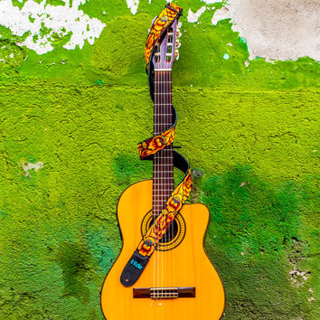 Traditional Guatemalan embroidered, leather, guitar strap - Paraíso Gold/Brown