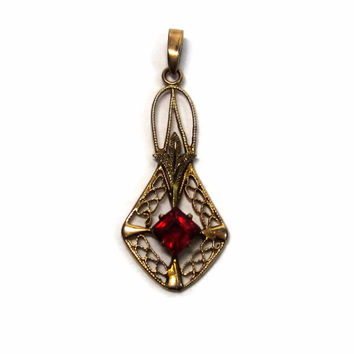 Antique 10K Yellow Green Gold Red Glass Ruby Lavalier Pendant