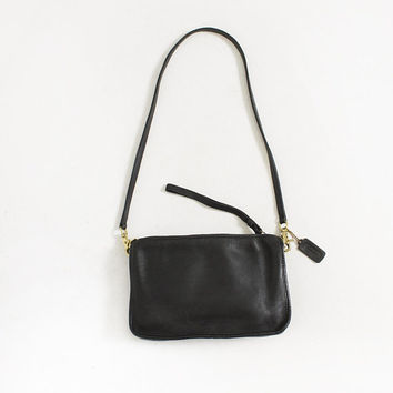 ffa075364186 Vintage COACH Purse - 1990s Black Leather Shoulder Bag Talon Zip