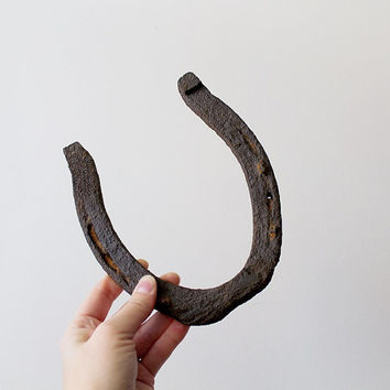 Vintage Iron Horseshoe - Good Luck Horseshoe - Rusty Old Horseshoe