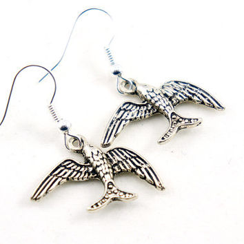 Antiqued Silver Vintage Style Sparrow Bird Dangle Earrings - CP087