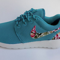 n075 - Nike Roshe Run (Floral Prints Baby Blue/White)