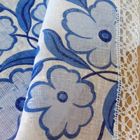 "Linen Table Runner, Tablecloth Natural White Blue Azure Flowers, Linen Lace  55,9"" x 18,5"""
