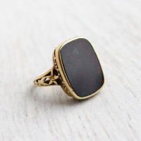 Antique 15K Yellow Gold Bloodstone Ring - English Edwardian 1900s Floral Filigree Jewelry / Black with Red Speckles