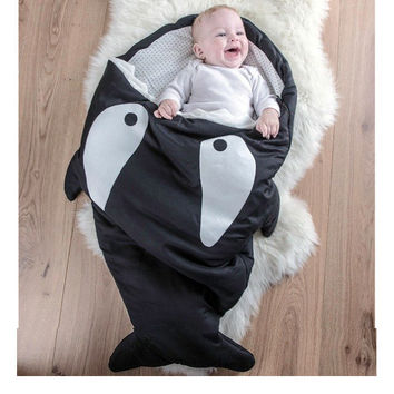 Envelope Shark Bites Baby Sleeping Bag For Winter Strollers Bed Swaddle Blanket Wrap Cute Cartoon Newborns Bedding Sleep sacks