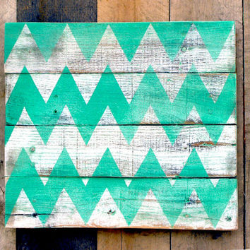 Emerald Green Chevron Pallet Wood Blank Canvas for Sign Reclaimed Upcycled Distressed Rustic plaque Ready to paint Photography Prop Recycled