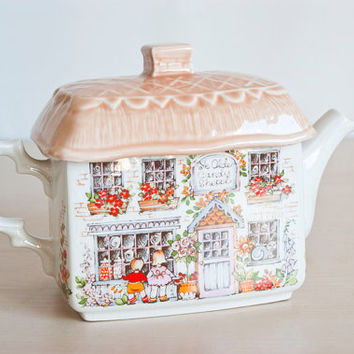 Vintage Sadler English Cottage Teapot, Thatched Roof Candy Shop Tea Pot, Made in England
