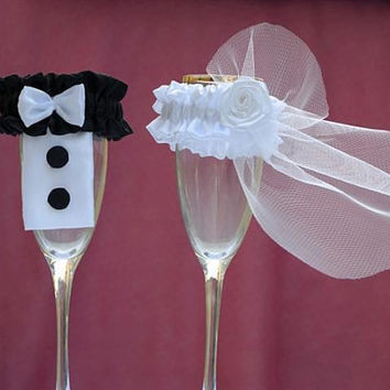 Toasting Flutes Wedding Bride Groom  Wedding by beautybuttons