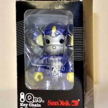 "Toy2R 2006 Qee Key Chain Collection San Disk Digital 2.5"" Mini Figure"