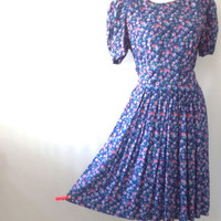 Vintage Floral Dress Romantic Day Dress Liberty Print Dress Ditsy Print Tiny Floral Purple  Dress Full Pleat Skirt vintage size 10 bust 35