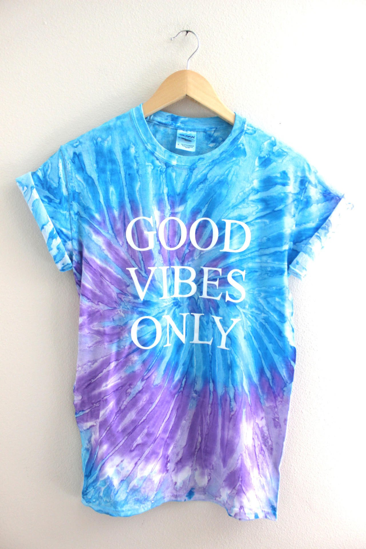 good vibes only purple and blue tie dye from era of artists. Black Bedroom Furniture Sets. Home Design Ideas