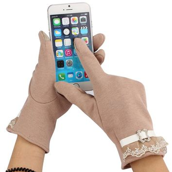 Tell Her You Don't Want to Miss a Text! Gift her Screen Gloves