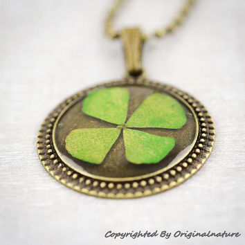 Nature Inspired Jewelry Real Dried Clover Necklace Graduation Gift (HM0128)