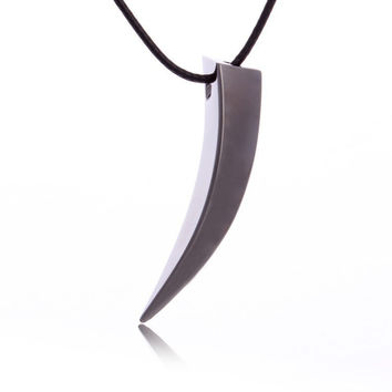 2016 Brave Men Stainless Steel Wolf Tooth Spike Pendant Necklace Men Personality Male Necklace Jewelry for Friends Gift