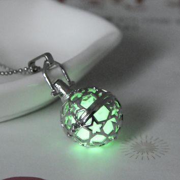 Stylish Jewelry Shiny New Arrival Gift Hot Sale Hollow Out Noctilucent 3-color Pendant Necklace [8804751239]