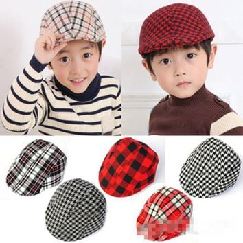 2017 new Classical England Style caps Children beret hat Baby Kids Plaid berets hat Cool Flat Beret Hat boys Sun Cap