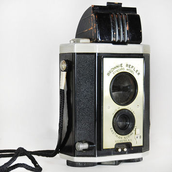 Vintage 1940s Kodak Brownie Reflex Synchro Model TLR (Twin Lens Reflex) Camera