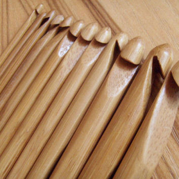 "12 pcs 6"" Bamboo Handle Crochet Hook Set (3-10mm)"