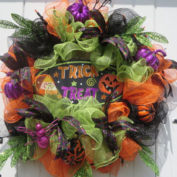 Lighted Halloween Deco Mesh Wreath, Halloween Door Wreath, Halloween Wreath for Front Door, Halloween Pumpkin Wreath, Trick or  Treat Sign