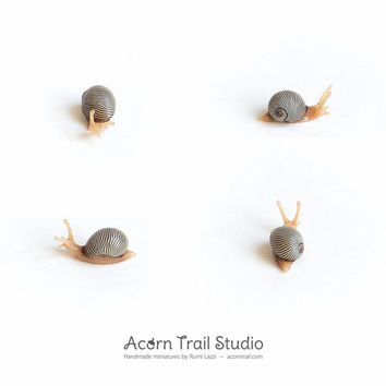1:12 Miniature snail. Ultra realistic tiny snail. Handmade dollhouse miniature, 1/12 scale, OOAK by Rumi Lazzi | Acorn Trail Studio