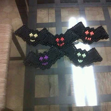 Bat pins / magnets