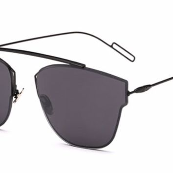 'Timeless' Single Bridge Shades - Black