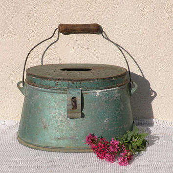 French vintage rustic fishing box - vintage keep box - rustic zinc box - fishing box - shabby chic - rustic - French country home