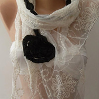 Creamy White and Elegance Shawl // Scarf with Black Roses and Lace Edge....