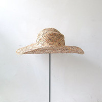 20% OFF SALE / Vintage woven straw hat. natural floppy hat. wide brim sun hat.