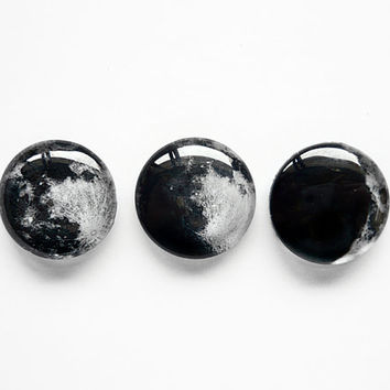 Set of 3 pcs 20mm handmade glass cabochons - moon phases