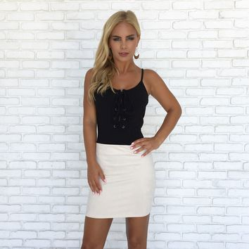 Strut Suede Mini Skirt in Cream