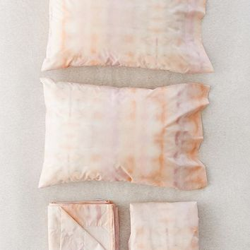 Washed Tie-Dye Sheet Set | Urban Outfitters
