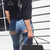 Bottom Ripped jeans